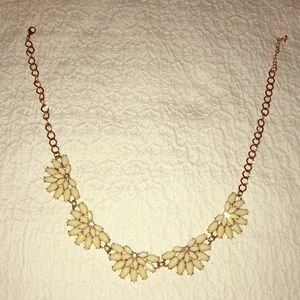Beautiful shiny beige necklace!